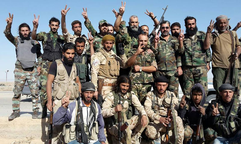جنود من قوات الأسد في دير الزور (فيس بوك)
