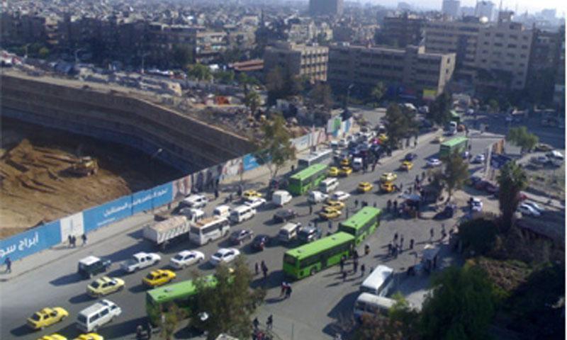 الحفرة مكان كراج بيروت في البرامكة بدمشق (انترنت)