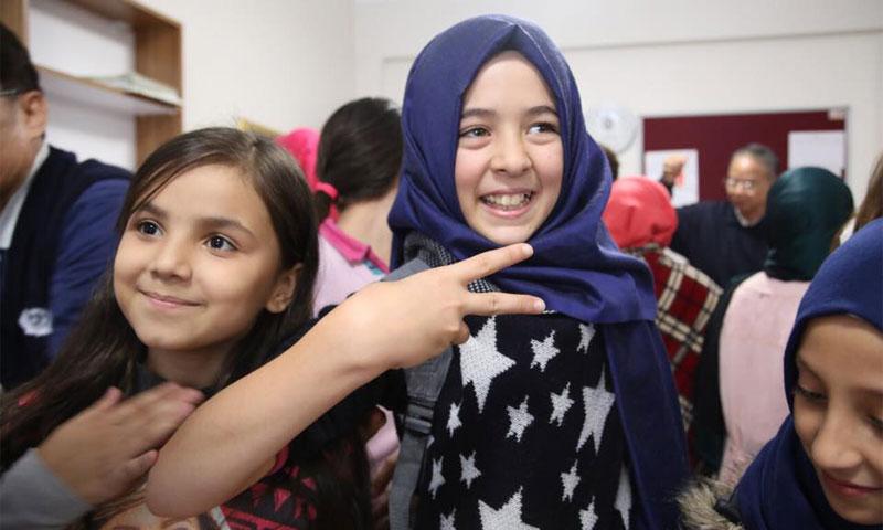 أطفال سوريون في مدرسة تركية (إنترنت)