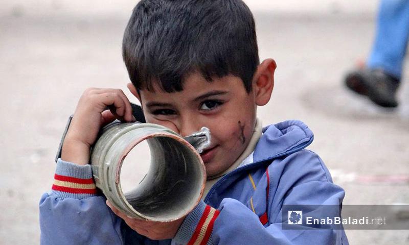 طفل في مدينة درعا جنوب سوريا - تشرين الأول 2016 (عنب بلدي)