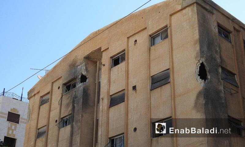 أضرار في أحد مباني بلدة قدسيا- الأربعاء 28 أيلول (عنب بلدي)