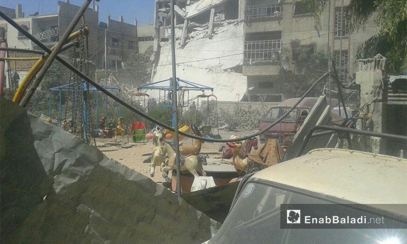آثار القصف على مدينة دوما في الغوطة الشرقية - أيلول 2016 (أرشيف عنب بلدي)