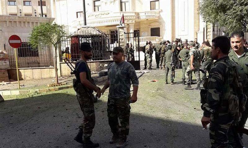 """أضرار مادية جراء تفجير ضرب مبنى حزب """"البعث"""" وسط حماة (فيس بوك)"""