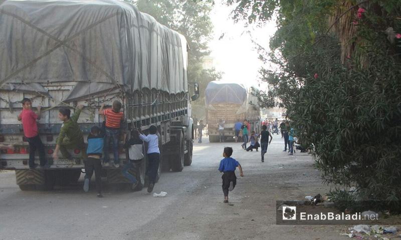 دخول قافلة مساعدات إلى حي الوعر- الأربعاء 26 تشرين الأول (عنب بلدي)
