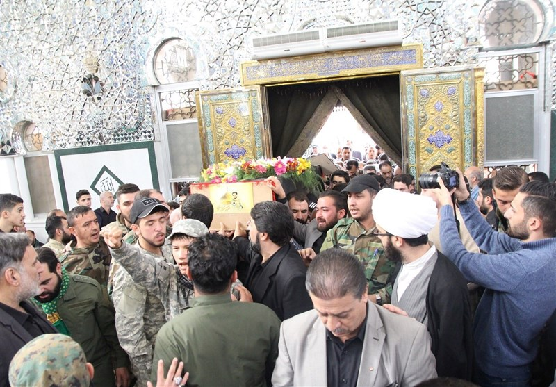 """من مراسم تشييع الإعلامي الإيراني محسن خزاعي في """"السيدة زينب"""" بدمشق- الاثنين 14 تشرين الثاني (تسنيم)"""