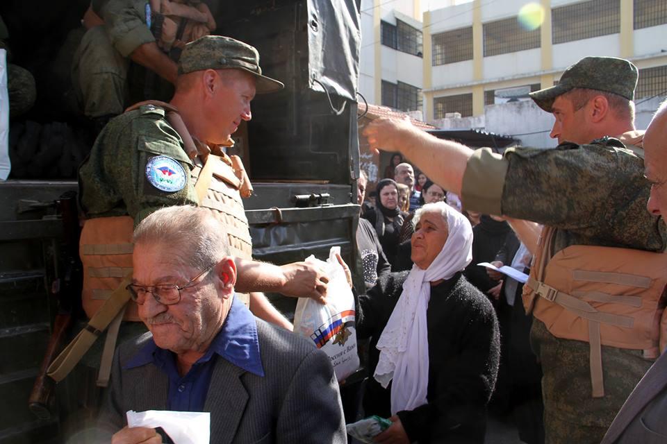 توزيع مساعدات على عوائل قتلى الأسد في طرطوس- الاثنين 14 تشرين الثاني (سانا)