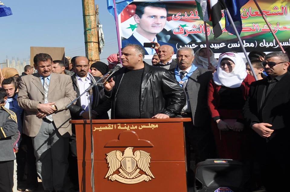 محافظ حمص طلال البرازي برفقة عدد من المسؤولين والضباط في مدينة القصير- الأحد 27 تشرين الثاني (سانا)