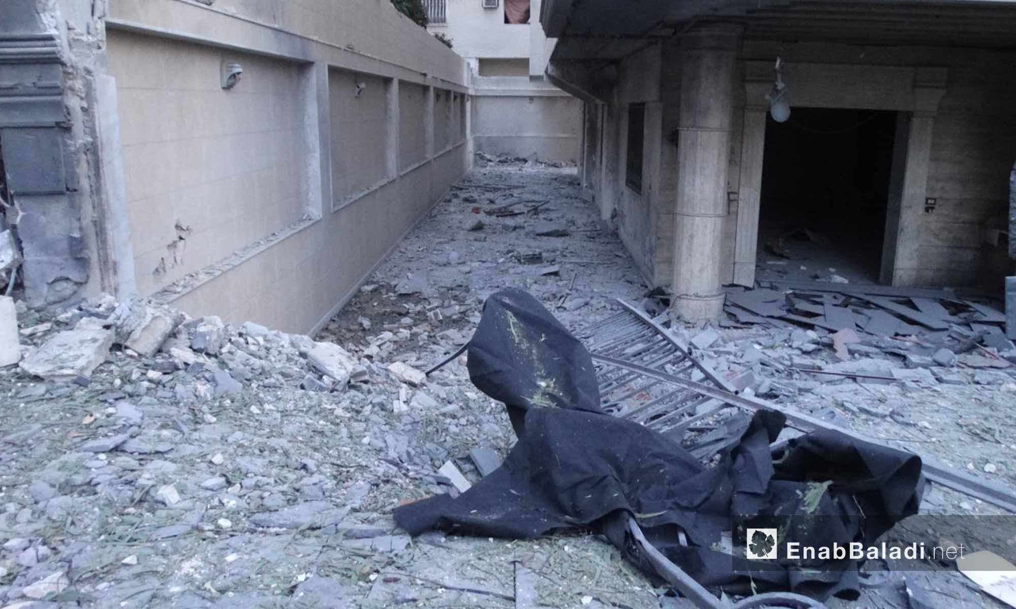 بناء مدمر إثر القصف على حي الوعر في حمص - 16 تشرين الثاني 2016 (عنب بلدي)