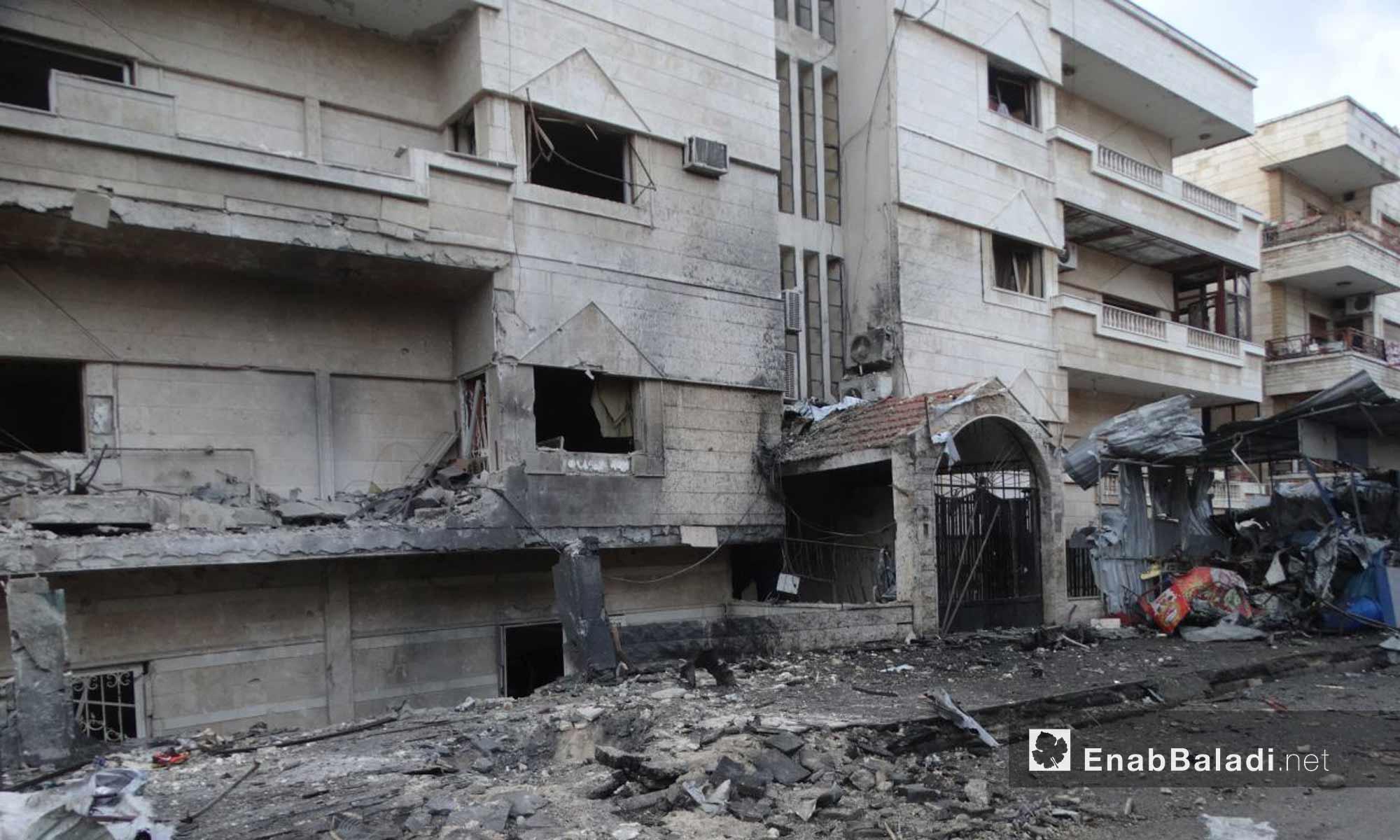 آثار الحرق تظهر على بناء مدمر داخل  حي الوعر في حمص بعد قصفه بالنابالم- 16 تشرين الثاني 2016 (عنب بلدي)