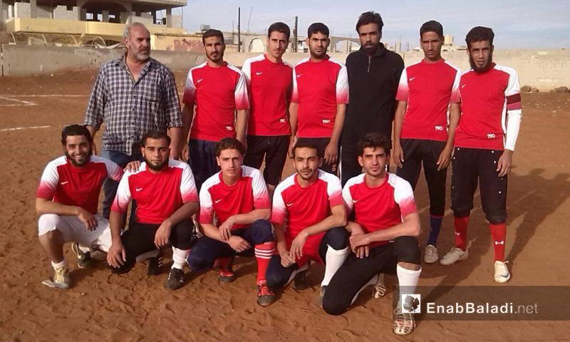 فريق كرة القدم في نادي الشعلة - تشرين الثاني 2016 (عنب بلدي)
