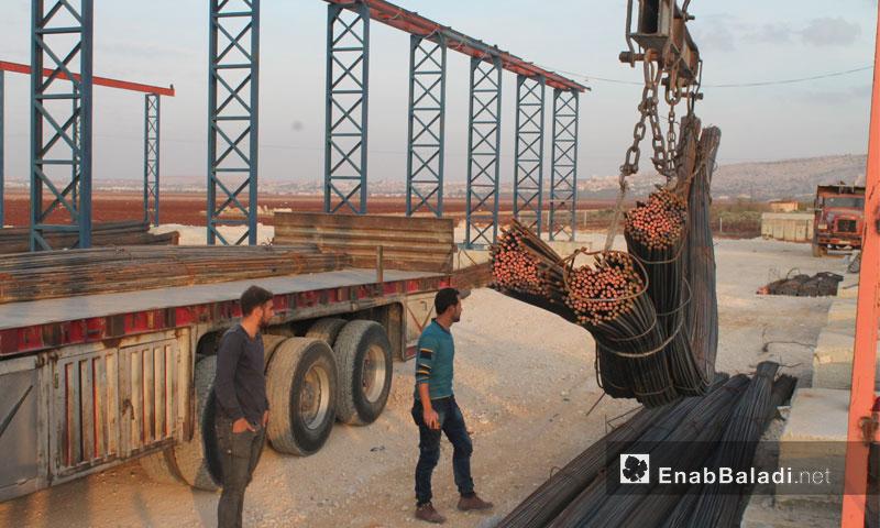 مستودعات شركة الهدى على طريق سرمدا في ريف إدلب 19 تشرين الثاني 2016 (عنب بلدي)
