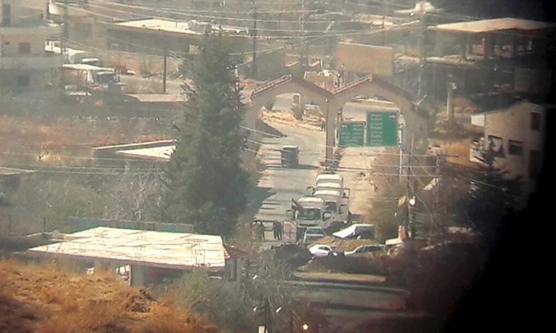 قافلة المساعدات على أطراف بلدة مضايا في ريف دمشق - 28 تشرين الثاني 2016 (صفحة مضايا في فيس بوك)