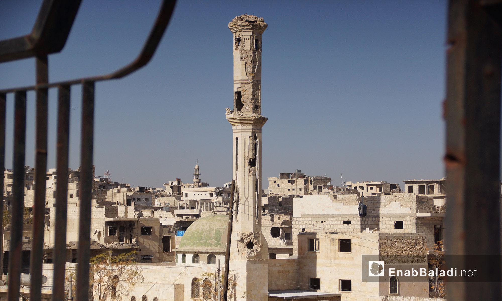 مئذنة طالها القصف لأحد مساجد معرة النعمان - 24تشرين الثاني 2016 (عنب بلدي(