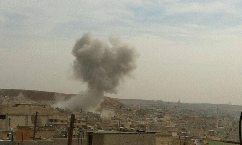 غارة جوية على مدينة خان شيخون- الأحد 13 تشرين الثاني (فيس بوك)