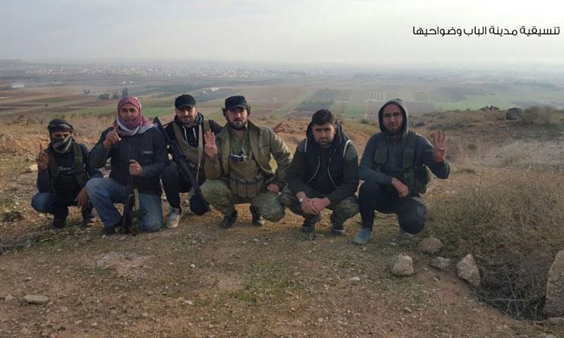 """عناصر من """"الجيش الحر"""" على أطراف مدينة الباب- الأحد 13 تشرين الثاني (تنسيقية الباب)"""