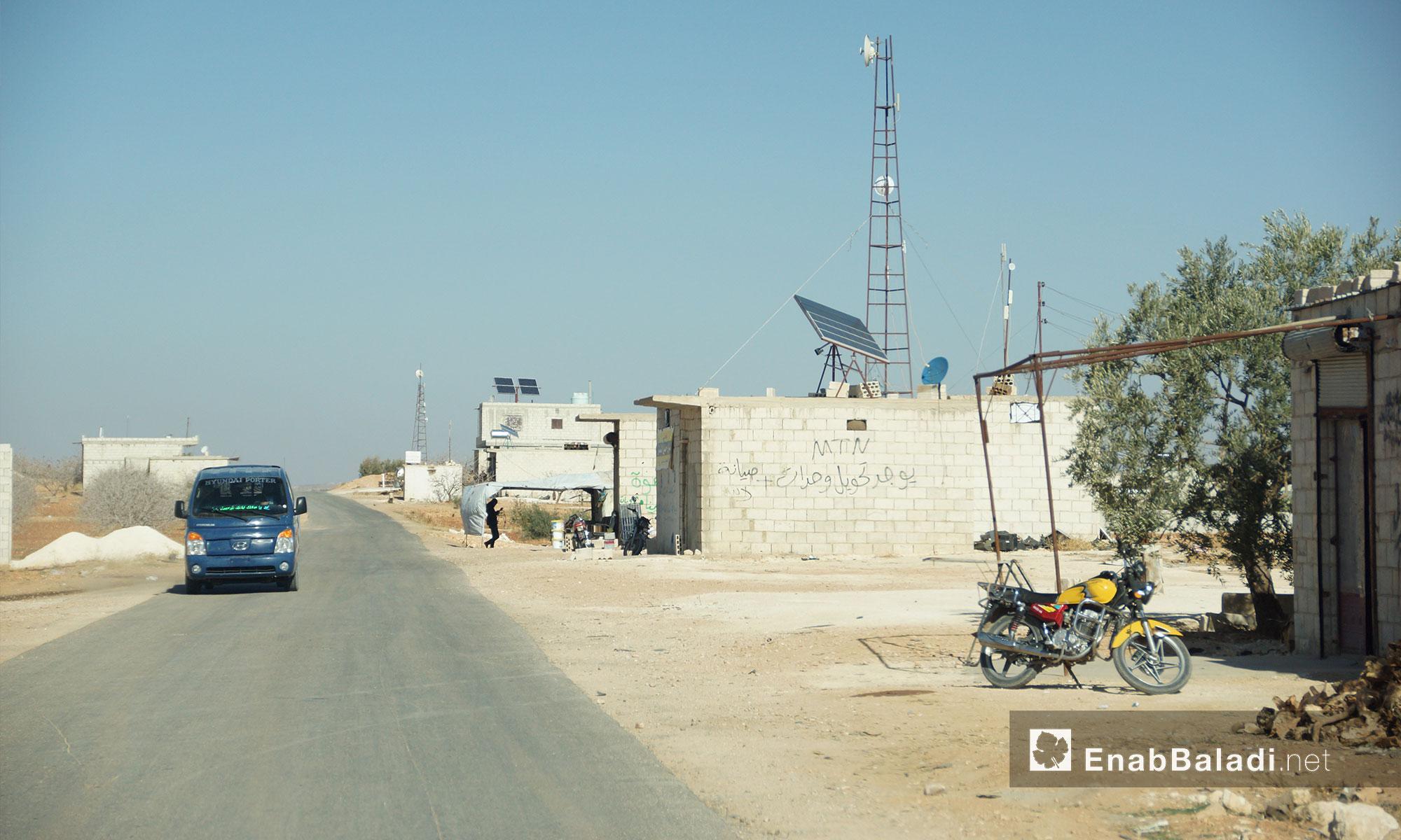 طريق (التمانعة - التح) ريف إدلب الجنوبي - 24 تشرين الثاني 2016 (عنب بلدي)