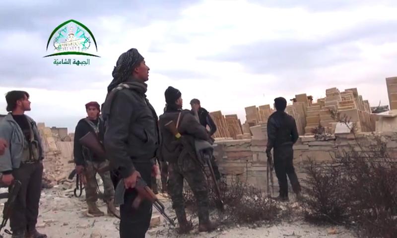 """تعبيرية: مقاتلون من """"الجبهة الشامية"""" في حلب (أرشيفية من الإنترنت)"""