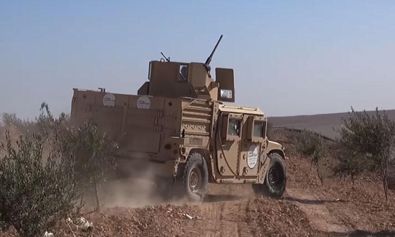 """عربة عسكرية تابعة لفرقة """"الحمزة"""" في ريف الباب الشمالي- تشرين الثاني 2016 (تويتر)"""