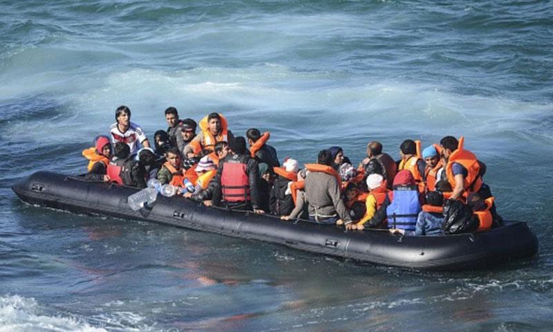 أرشيفية- مهاجرون غير شرعيون إلى أوروبا (وكالات)