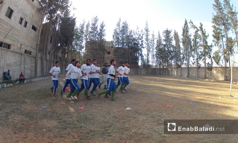 """متدربون في نادي """"الجيش"""" في ريف دمشق - تشرين الثاني 2016 (عنب بلدي)"""