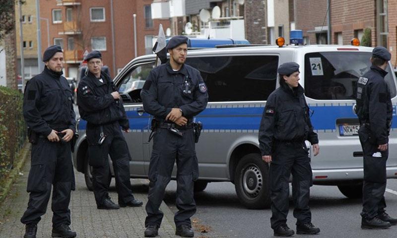 رجال من الشرطة الألمانية (إنترنت)