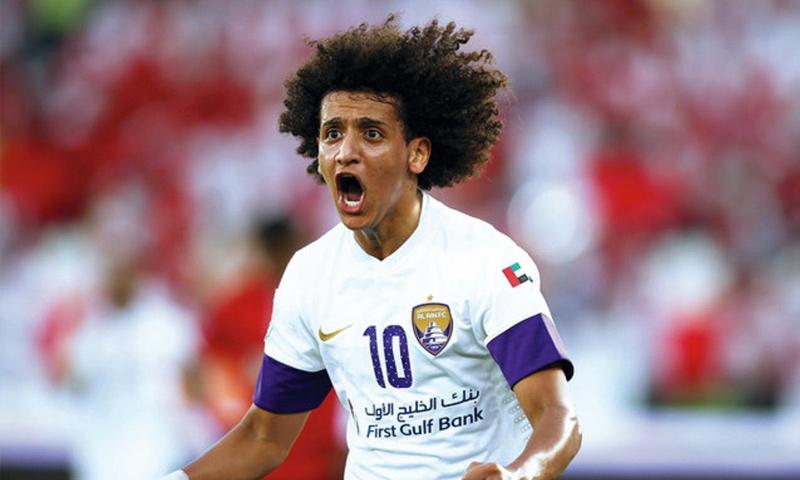 اللاعب الإماراتي عمر عبد الرحمن الملقب بعموري (انترنت)