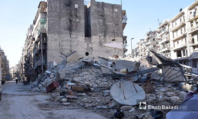 دمار جراء الغارات الجوية على حي الشعار في مدينة حلب- الخميس 17 تشرين الثاني (عنب بلدي)