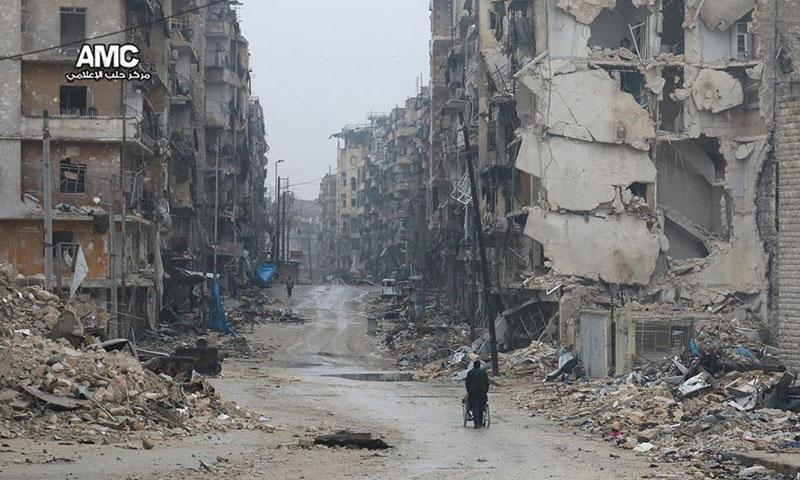 نزوح وسط الدمار في حلب- الخميس 1 كانون الأول (مركز حلب الإعلامي)