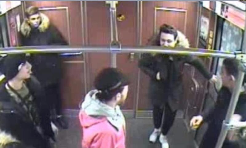 صور الشباب السوريين داخل مترو في ألمانيا (وسائل إعلام ألمانية)
