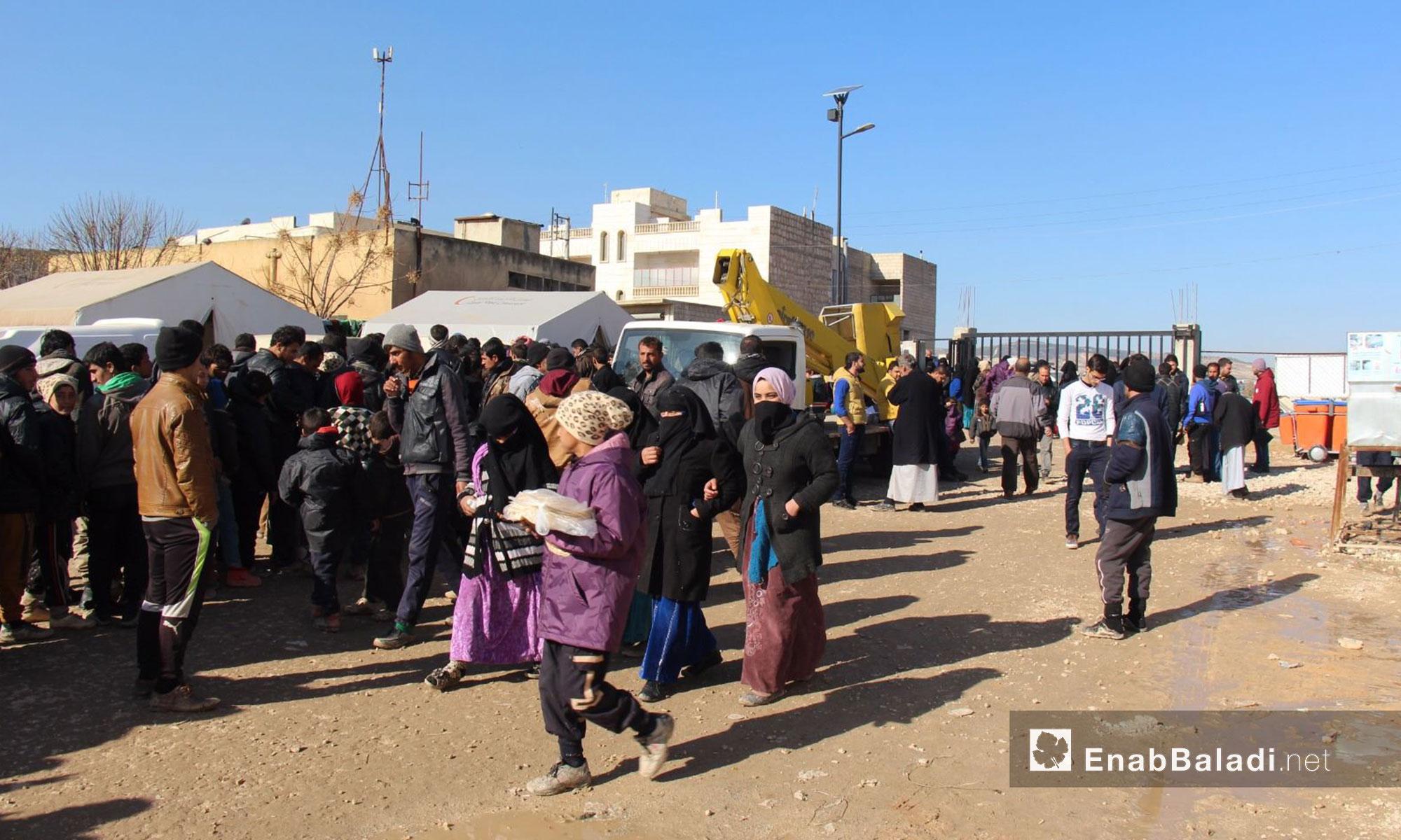 نازحون عراقيون في منطقة إعزاز الحدودية بريف حلب الشمالي - كانون الأول 2016 (عنب بلدي)