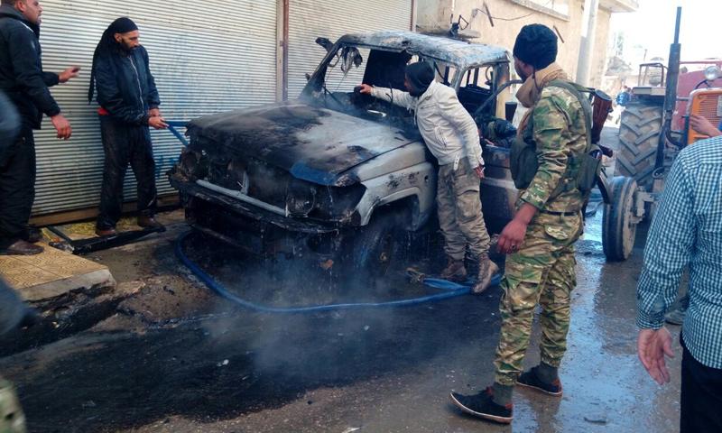 صورة للسيارة التي انفجرت داخلها القنبلة في جرابلس - 6 كانون الأول 2016 (تويتر)
