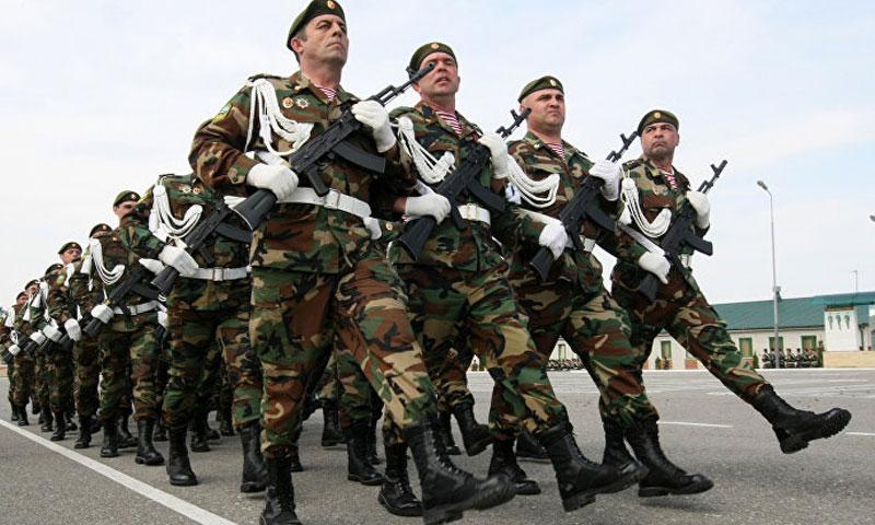 أرشيفية- عناصر من الجيش الشيشاني في استعراض عسكري (سبوتنك)