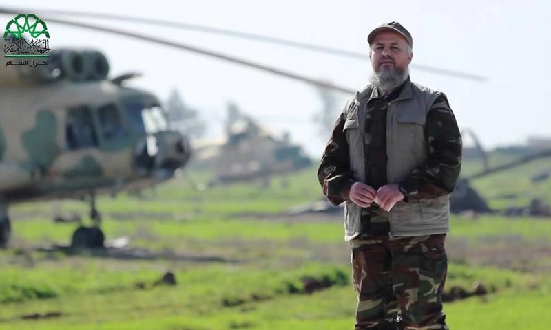 هاشم الشيخ أبو جابر في مطار تفتناز العسكري (يوتيوب)
