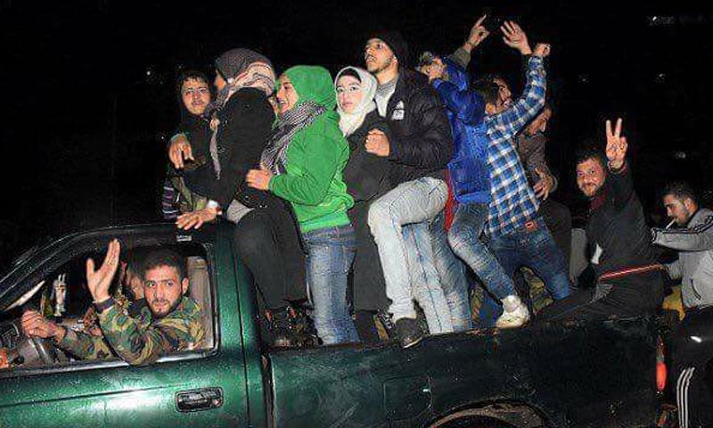الاحتفالات في حلب الغربية_(صفحات موالية)