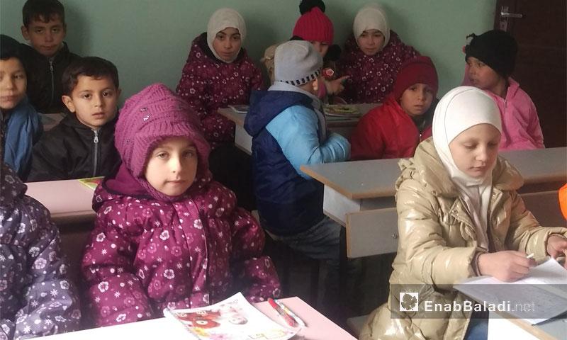 مدرسة اقرأ وارق في أطمة 17 كانون الأول 2016 (عنب بلدي)