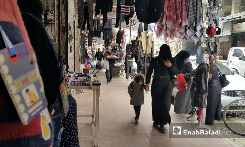 أسواق مدينة دوما في الغوطة الشرقية - السبت 24 كانون الأول 2016 (عنب بلدي)
