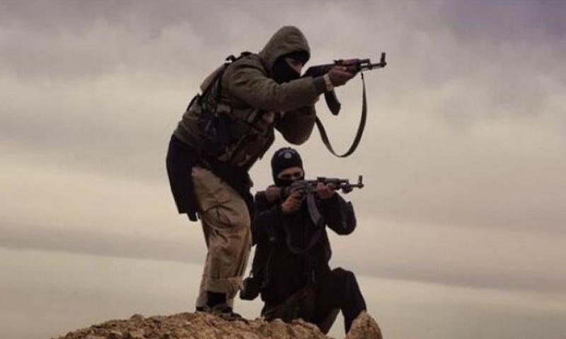 مقاتلين من تنظيم الدولة الإسلامية في ريف حمص_(انترنت)