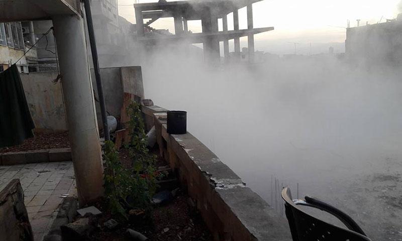 آثار القصف المدفعي على بلدة مضايا بريف دمشق الغربي- الاثنين 5 كانون الأول (فيس بوك)