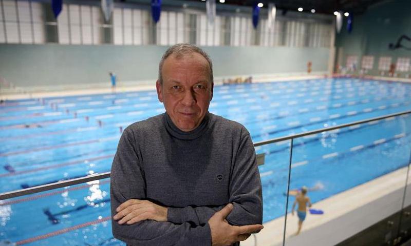 المدرب والسباح الدولي السوري السابق شوكت المصري_(الأناضول)