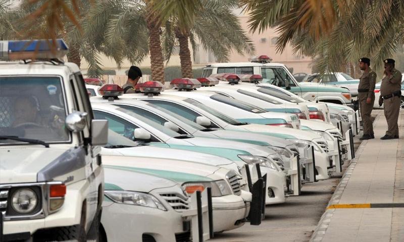 تعبيرية: عناصر وسيارات شرطة سعودية (إنترنت)
