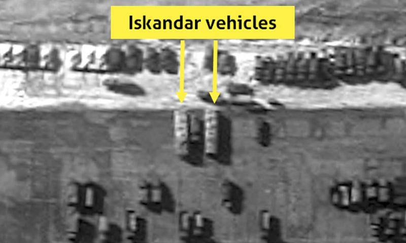 شاحنات تحمل صواريخ متقدمة_( Imagesat)