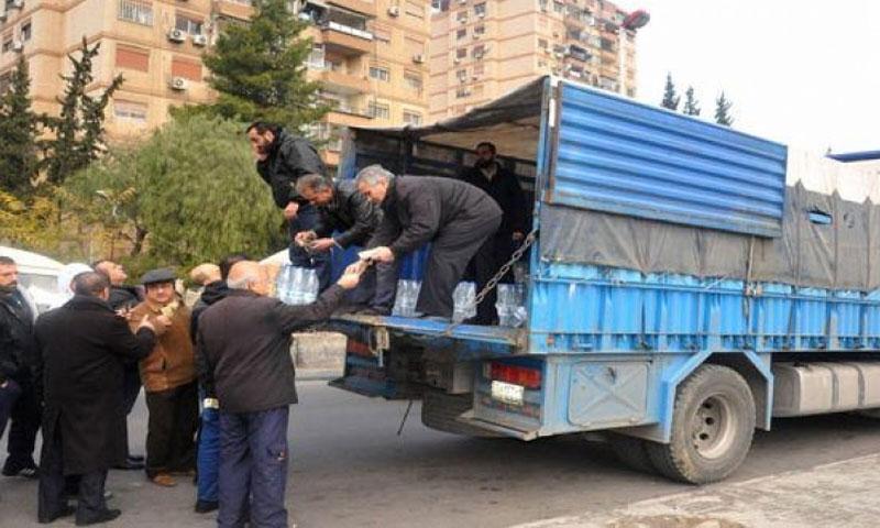 إحدى سيارات بيع المياه في دمشق - (انترنت)