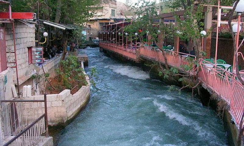 احد المنتزهات على أطرف نهر بردى (انترنت)