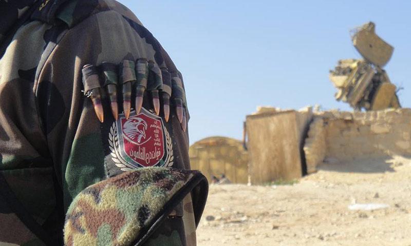 """مقاتل من """"درع القلمون"""" في ريف دمشق (فيس بوك)"""