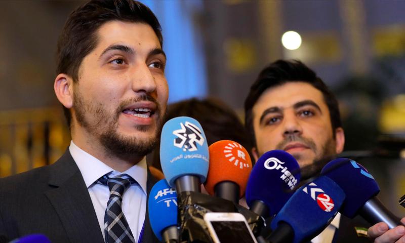 عضو وفد المعارضة في أستانة، أسامة أبو زيد، في حديثٍ إلى الصحفيين - 23 كانون الثاني 2017 (وكالات)
