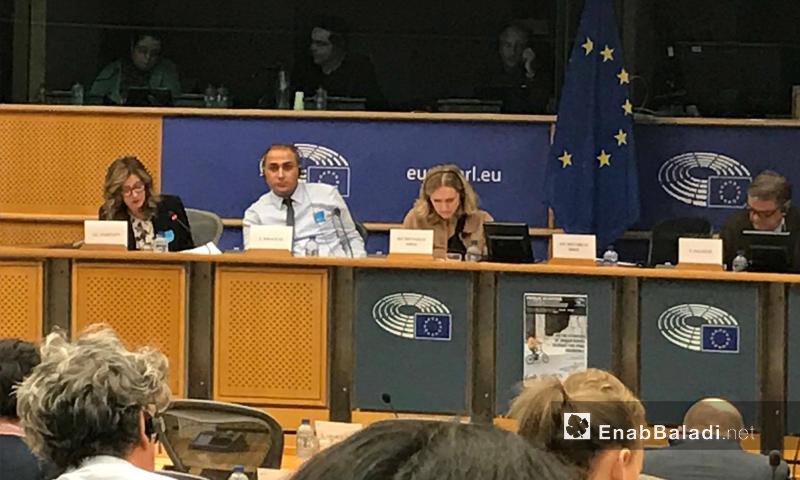 الصحفي السوري شيار خليل في جلسة أمام البرلمان الأوروبي - 25 كانون الثاني 2016 (عنب بلدي)