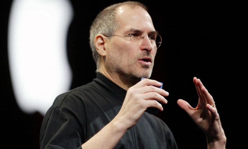 المدير التنفيذي لشركة آبل، ستيف جوبز - (انترنت)