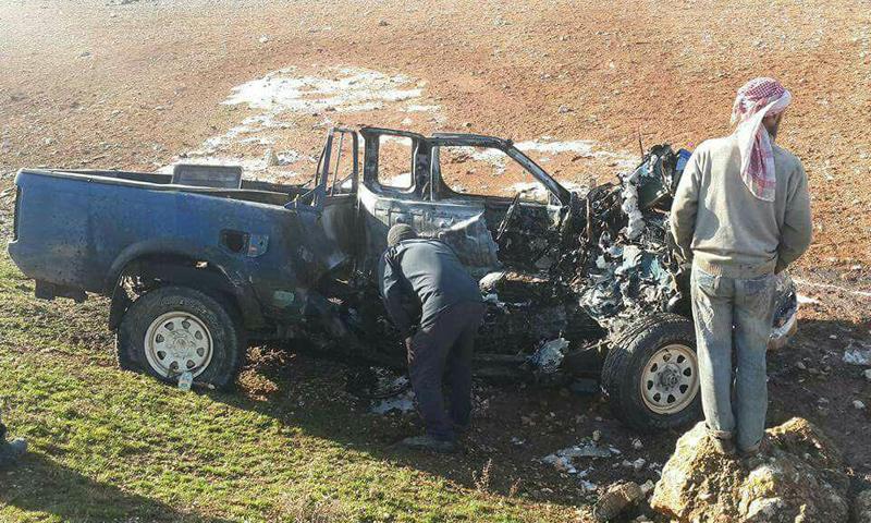 السيارة التابعة لفتج الشام في مدينة سراقب_11 كانون الثاني_(فيس بوك)