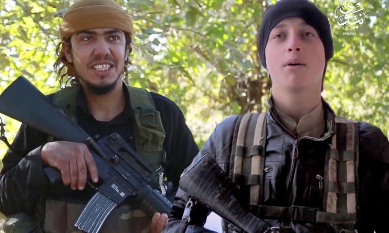 """""""أبو الغامدي الإدلبي"""" (يمين)- """"أبو إسلام الدمشقي"""" (يسار)- تعديل عنب بلدي"""