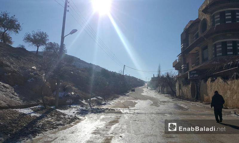 حركة الأهالي قرب حاجز دير قانون في منطقة وادي بردى_29 كانون الثاني_(عنب بلدي)